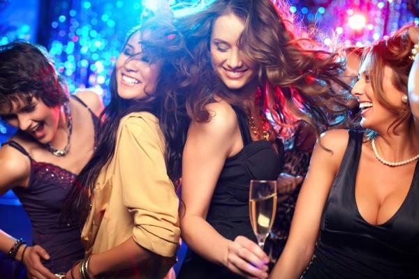 o-perigo-das-mulheres-em-grupo-como-conquistar-mulheres