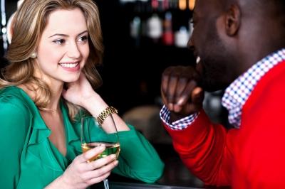 Observe-a-linguagem-corporal-quando-voce-quer-abordar-uma-mulher