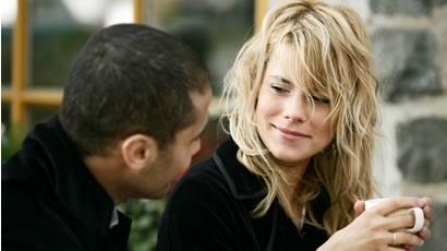 olhe-para-uma-mulher-quando-esta-conversando-com-ela
